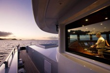 Super Yacht 4YOU - Heesen  - View of the Wheelhouse.png
